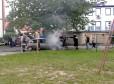 Płonące auto na pl. Przyjaźni